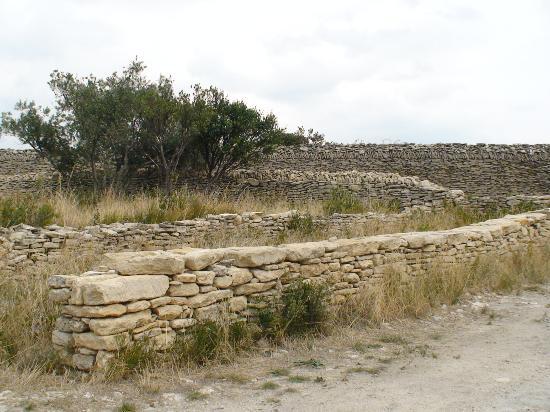 I muri a secco benvenuti a casuzze e nel territorio ibleo - Muretti in pietra giardino ...