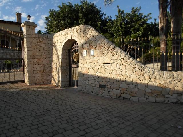 I muri a secco benvenuti a casuzze e nel territorio ibleo for Ingressi esterni di ville