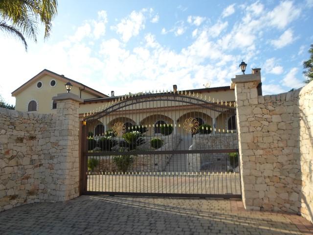I muri a secco benvenuti a casuzze e nel territorio ibleo for Foto di case moderne esterni